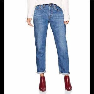 {Levi's} 501 Taper Boyfriend Jeans. Size 29x28.